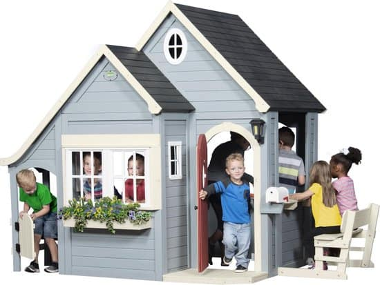 Best Playhouse for the Garden: Backyard Discovery Spring Cottage
