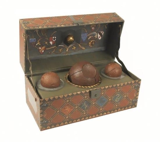 Muziekdoos van Harry Potter: Harry Potter Collectible Quidditch Set - Zwerkbal