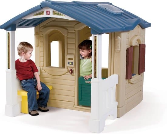 Stevigste plastic speelhuis:  Step2 Naturally Playful Front Porch Playhouse