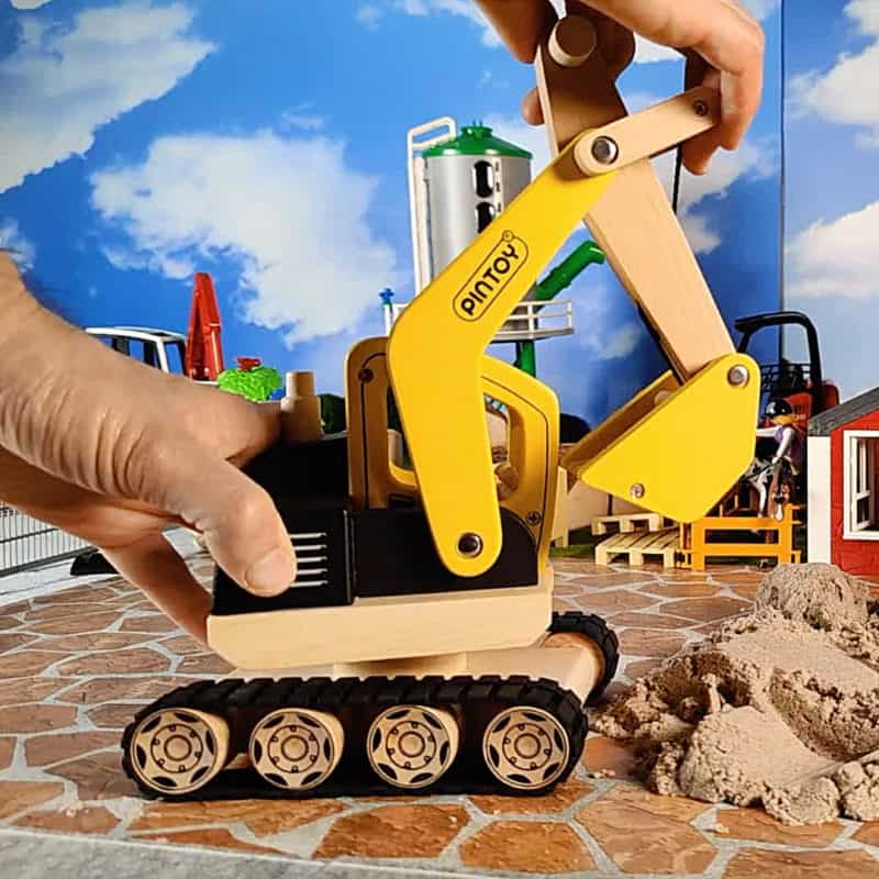 Best wooden excavator for toddlers from Pintoy
