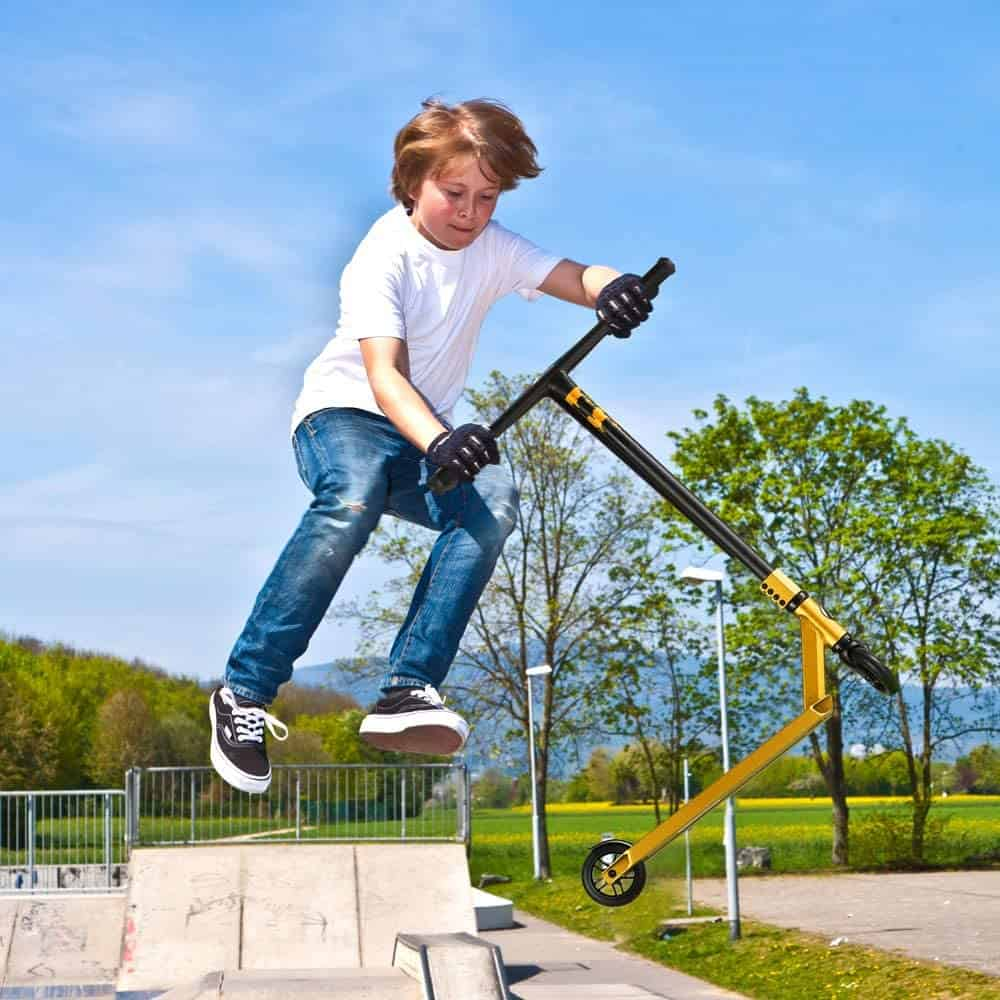 Best children's scooter for a child of 7 years - Albott Pro Stunt Rollor