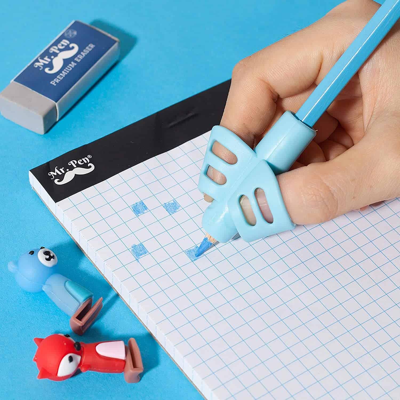 Kind leert potlood goed vasthouden met Pencil Grips