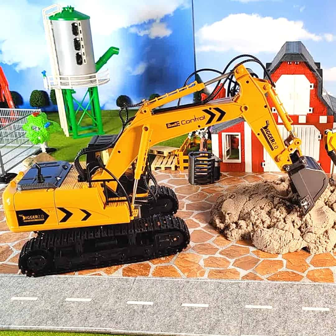 Best-RC-toy-excavator-by-Revell-24924