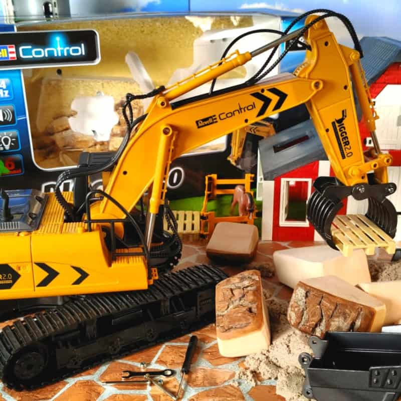Revell RC excavator with grab attachment